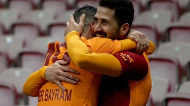 Ömer Bayram galibiyeti getiren arkadaşını övdü: Klasik bir Emre Akbaba golüyle kazandık